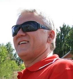 Александр Маршал на берегу Катуни. 2008. Фото Олега Укладова