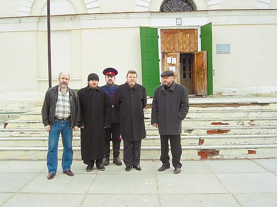 Михаил Евдокимов только что поставил свечку в храме Рождества Богородицы. Фото Андрея Редькина