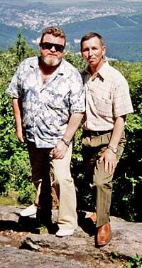 Больше тридцати лет назад в солдатской казарме Нижнего Тагила познакомились два паренька.