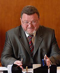 Михаил Сергеевич Евдокимов в своём кабинете