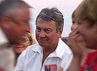 Сергей Чегодаев на трибуне почетных гостей в Верх-Обском