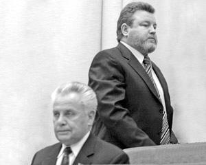 Евдокимов уходит с заседания сессии АКЗС