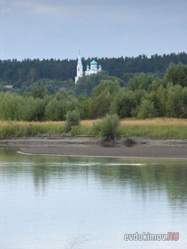 Церковь на месте слияния Бии и Катуни