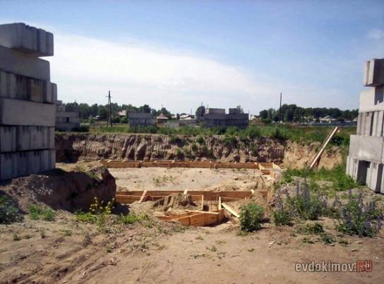 Строительство церкви. Котлован